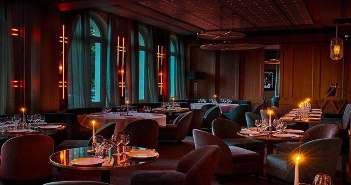 Magnifique restaurant face à l'Arc de Triomphe